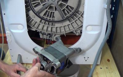 تعمیر موتور لباسشویی _ مرکز تعمیر ماشین لباسشویی در تهران _ تعمیرگاه فوری لباسشویی